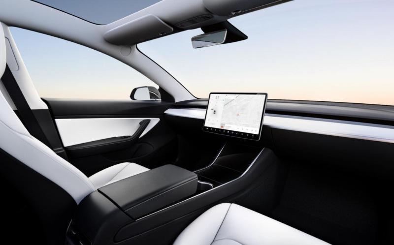 Самая дешёвая Tesla появится в 2023 году и, возможно, у неё не будет руля