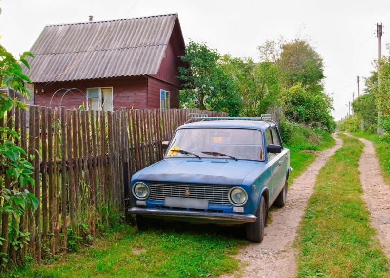 Штраф 5000 р. за парковку у ворот своего дома
