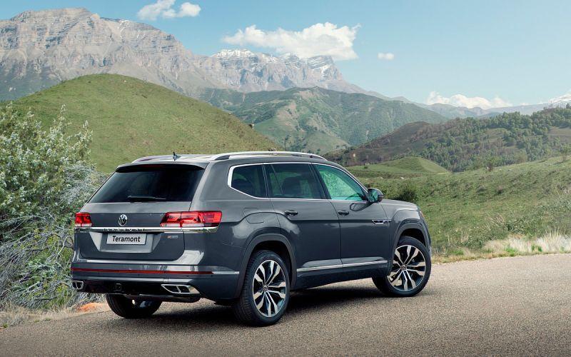 Volkswagen назвал цены на обновленный Teramont для России. Таблица