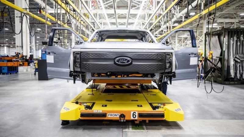 Вслед за Rivian: Ford начал выпуск «зелёных» пикапов F-150 Lightning