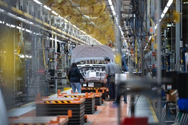 Lordstown Motors продаёт завод тайваньскому Foxconn, а в выигрыше окажется Fisker