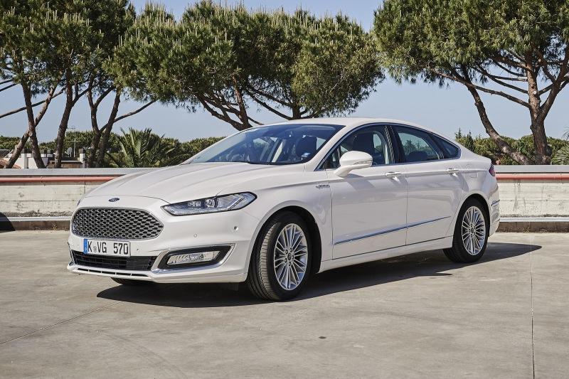 С атмосферником и автоматом, но не Camry: стоит ли покупать Ford Mondeo V за 1,5 миллиона